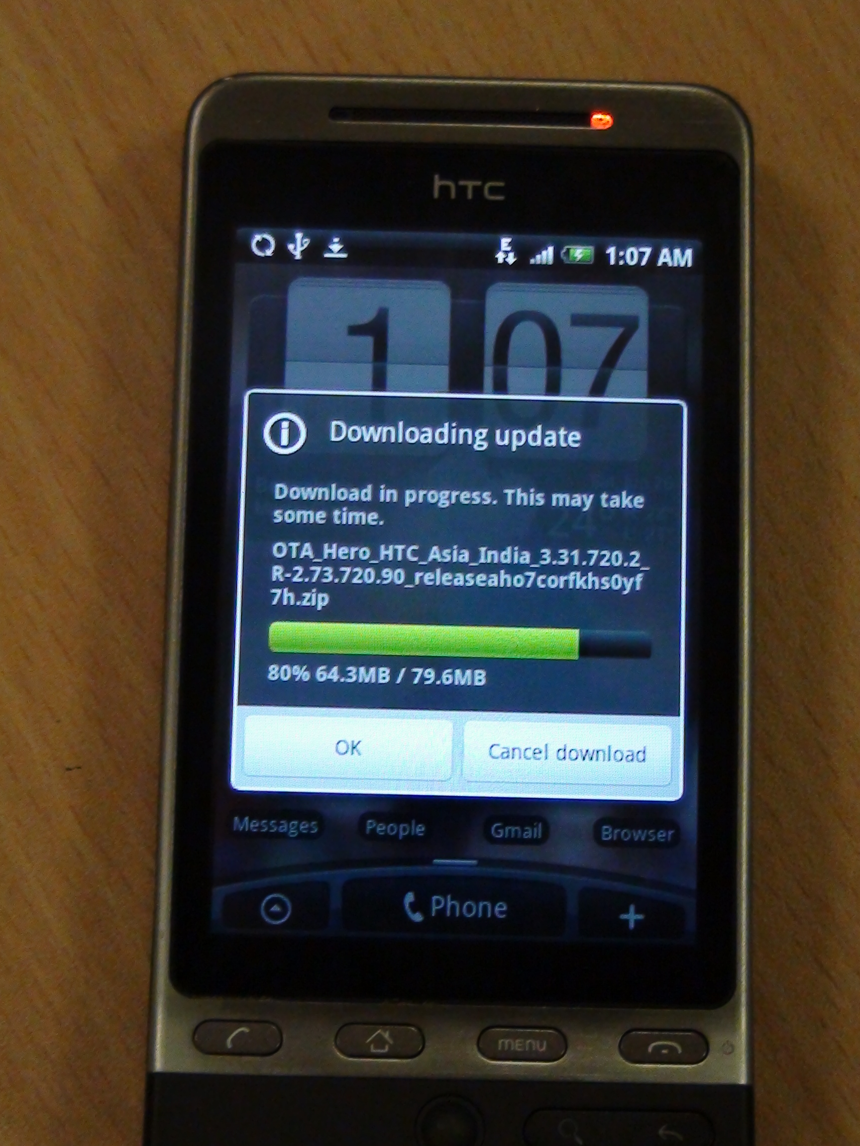 ... : HTC Hero updating itself to Android 2.1… in India | Eurodroid